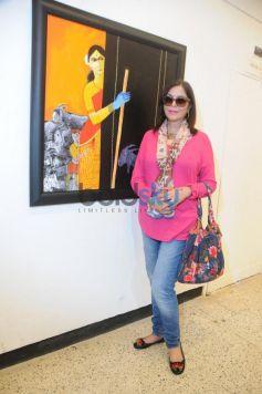 Zeenat Aman unveils That life in Colors