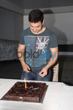 Aamir Khan Birthday bash in bandra