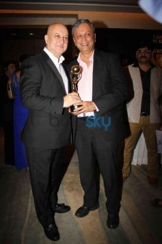 Anupam Kher at NRI of the year Awards Ceremony