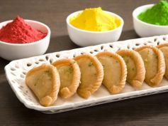 Colourful Gujiya