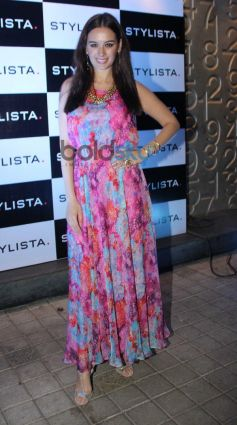 Evlyn Sharma stuns at stylista party