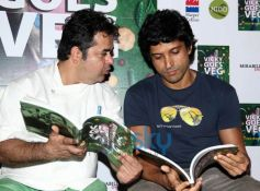Farhan Akhtar with Vicky Ratnani during launch