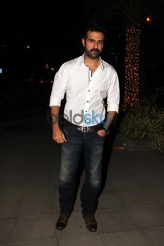 Harman Baweja snapped at yauatcha restaurent in bandr