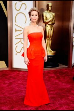 Jennifer Lawrence stuns at Oscars 2014