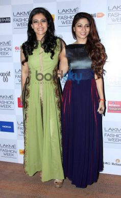 Kajol with Tanisha Mukherjee at Lakme Fashion Week Summer Resort 2014