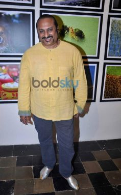 Lesle Lewis at photography exhibition