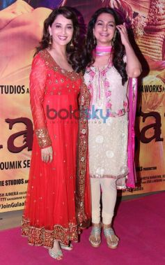 Madhuri Dixit and Juhi Chawla stuns during Gulab Gang screening