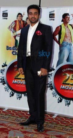 Raj Kundra stuns during Vasu Bhagnani Pooja films Party