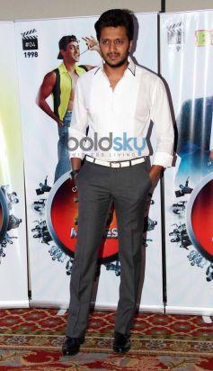 Ritesh Deshmukh stuns during Vasu Bhagnani Pooja films Party