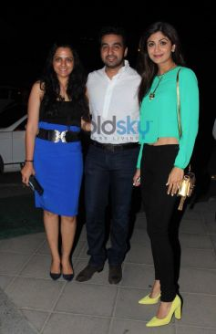 Shilpa Shetty and Raj Kundra snapped at yauatcha restaurent in bandr