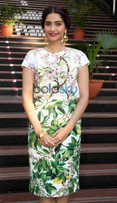 Sonam Kapoor during Bewakoofiyaan promotion