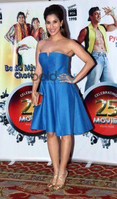 Sophie Chaudhary stuns during Vasu Bhagnani Pooja films Party