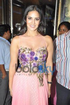 Sunny Leone promtes Ragini MMS 2 at geaity galaxy