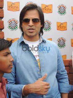 Vivek Oberoi laying the foundation to help P&G Shiksha School
