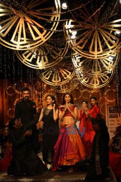 Shilpa Shetty Kundra walks for WIFW 2014 Tarun Tahiliani show