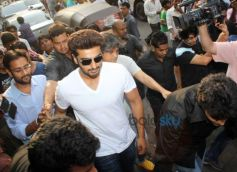 Arjun Kapoor promotes 2 states at Gaeity Galaxy theatre