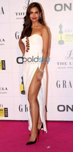 Esha Gupta stuns at Grazia Young Fashion Awards 2014