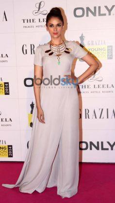Aditi Rao Hydari stuns at Grazia Young Fashion Awards 2014