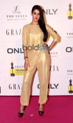 Sonal Chauhan stuns at Grazia Young Fashion Awards 2014