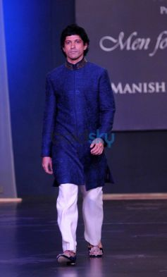 Farhan Akhtar walks ramp at Men For Mijwan charity fashion