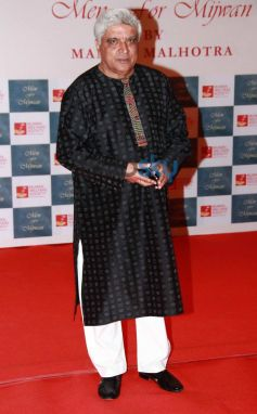Javed Akhtar stuns at Men For Mijwan charity fashion