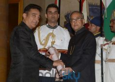 Kamal Haasan stuns during award function