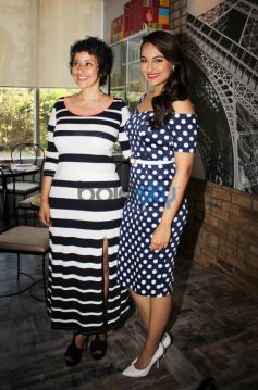 Manisha Koirala with Sonakshi Sinhna at Prevention at novotel magazine launch