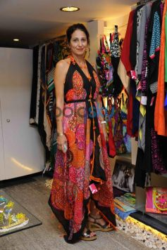 Renu Bothra and Yuvraj Malhotra host Resortwear Preview