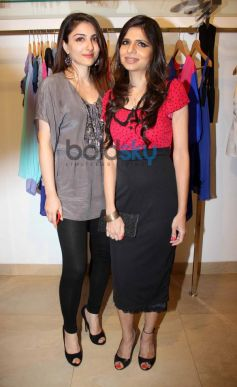 Soha Ali Khan and Sonya Vazifdar at Sonya Vazifdar new collection launch