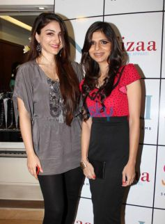 Soha Ali Khan and Sonya Vazifdar Sonya Vazifdar new collection launch
