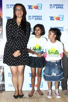 Sonakshi Sinha stuns during Rio2 special screening