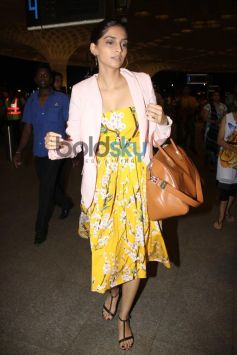 Sonam Kapoor Leave for IIFA 2014