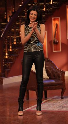 Sushmita Sen stuns at Comedy Nights with Kapil