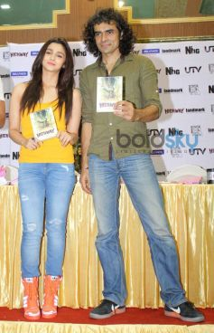 Alia Bhatt and Imtiaz Ali launch Highway film DVD