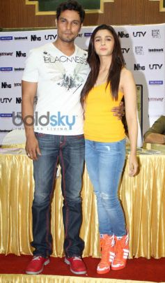 Alia Bhatt and Randeep Hoodai at launch Highway film DVD