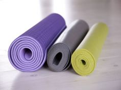 Best Ways To Clean A Yoga Mat