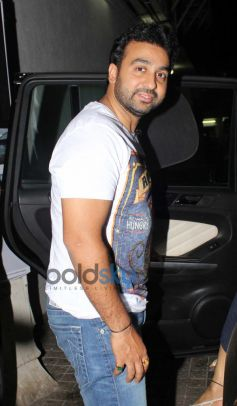 Raj Kundra snapped at juhu pvr