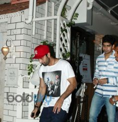 Ranbir Kapoor snapped at Restaurent in Bandra with Friends