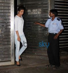 Priyanka Chopra snapped at Farhan Akhtar Home