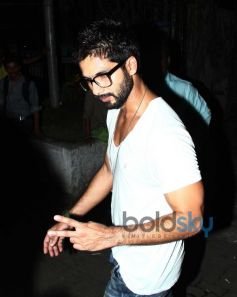 Shahid Kapoor other Celebs spotted at Bandra