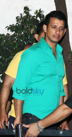 Sharman Joshi snapped at Olive in Bandra