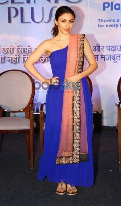 Soha Ali Khan stuns during Clinic Plus event