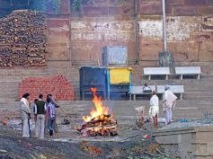 Why Do Hindus Burn Their Dead?