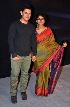 Aamir khan and Kiran Roa stuns at Star Parivar Awards
