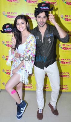 Alia and Varun at Radio Mirchi for Their Film Promotion