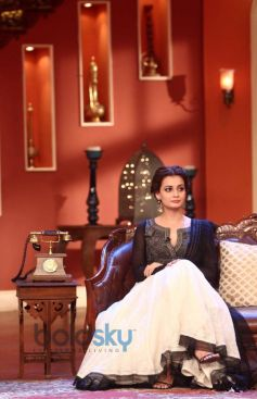 Dia Mirza stuns at Comidy Nights during Film Promotion