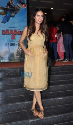 Esha Gupta snapped at screening of Humshakals at pvr