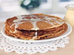 Hot Coconut Pancakes