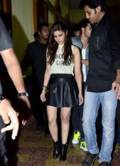 Humpty Sharma Ki Dulhania promotion at HR College