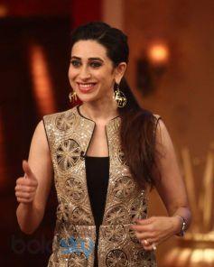 Karisma Kapoor stuns at Lekar Hum Deewana Dil Promotion